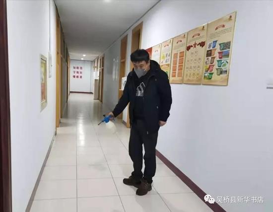 打赢疫情防控攻坚战 吴桥县新华书店在行动